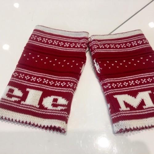 MIELE GIFT SHOP Set caciula si manusi lana 100% personalizate